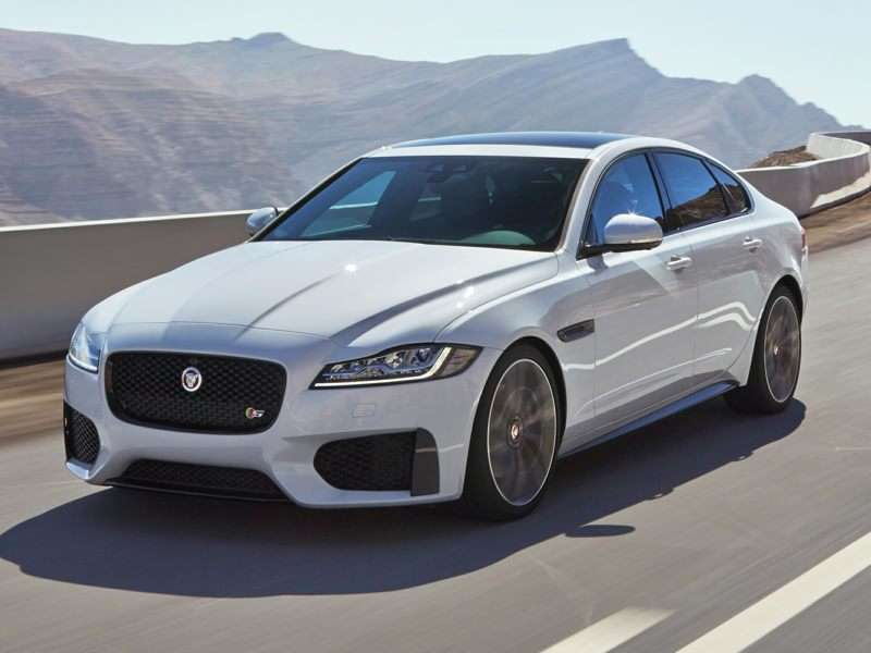 Lovely 1) 2017 Jaguar XF S