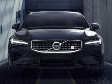 Research the 2019 Volvo S60 Hybrid
