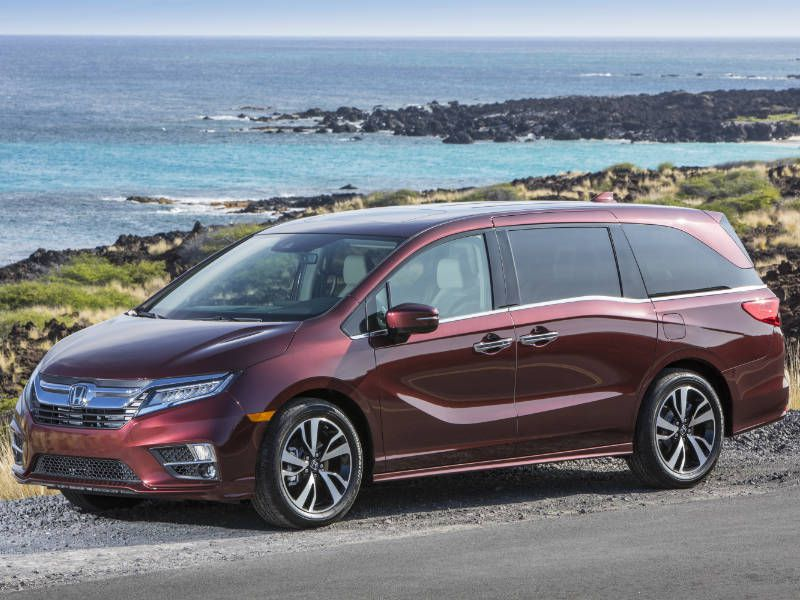 10 Reasons the 2018 Honda Odyssey is the AutoWeb Buyer's Choice Best Van