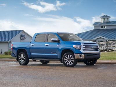 2019 Toyota Tacoma vs  2019 Toyota Tundra: Which is for you