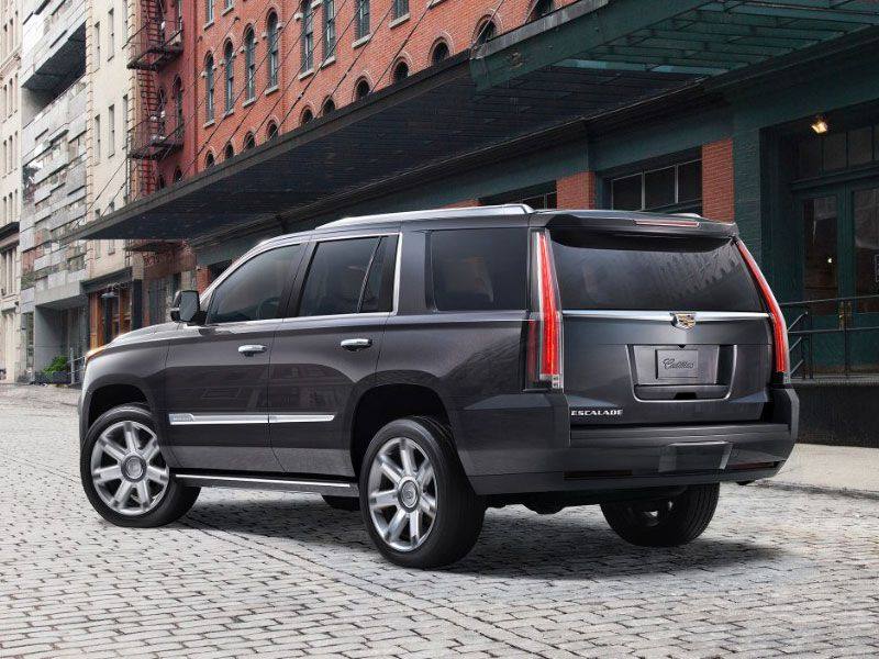 2017 Cadillac Escalade vs 2017 Chevrolet Tahoe: Which is Best? | Autobytel.com