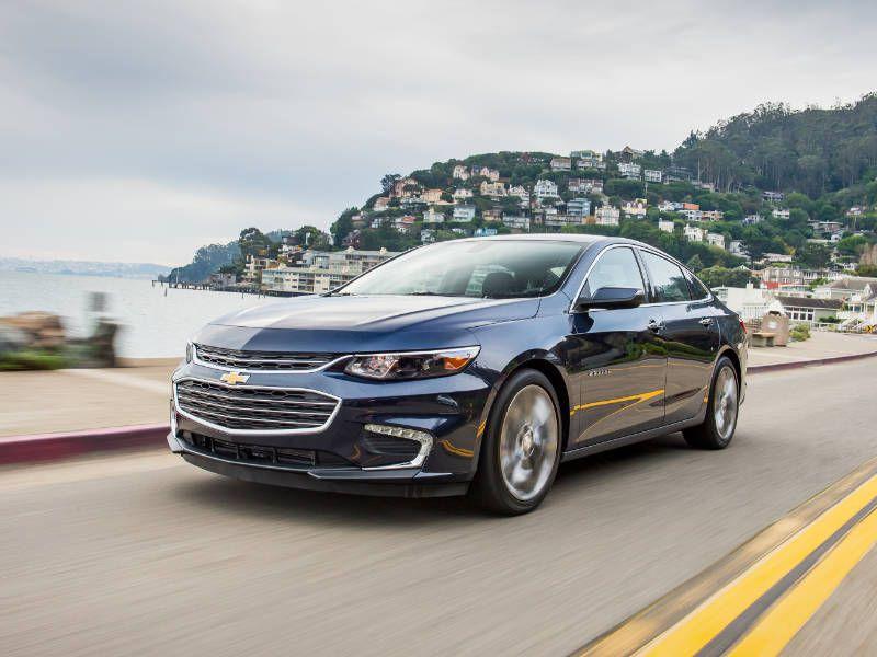 The 2017 Chevrolet Malibu Hybrid Trumps Compeion