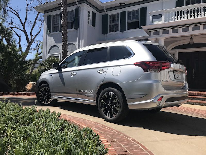 No Credit Check Car Dealerships >> 10 Things You Need to Know About the 2018 Mitsubishi ...