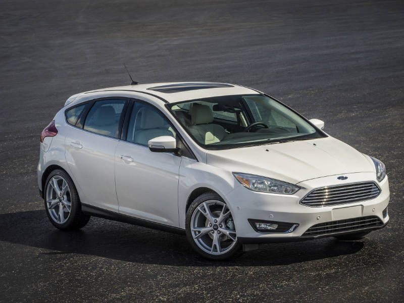 2017 Ford Focus: Pros and Cons