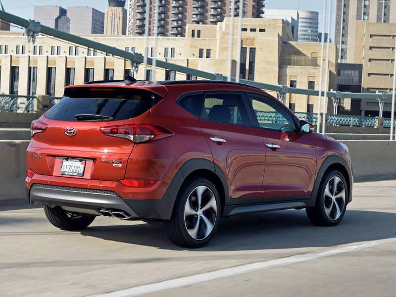 2017 hyundai tucson road test and review. Black Bedroom Furniture Sets. Home Design Ideas