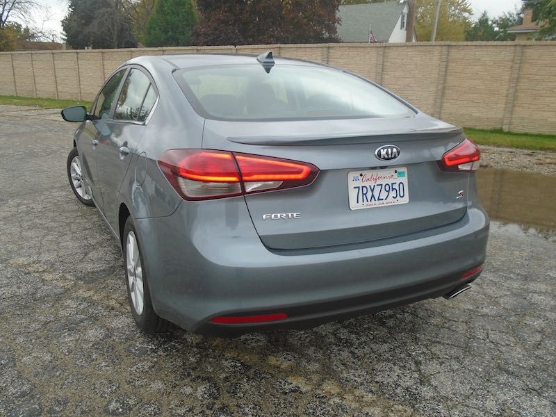 Pricing The Base 2017 Kia Forte Lx