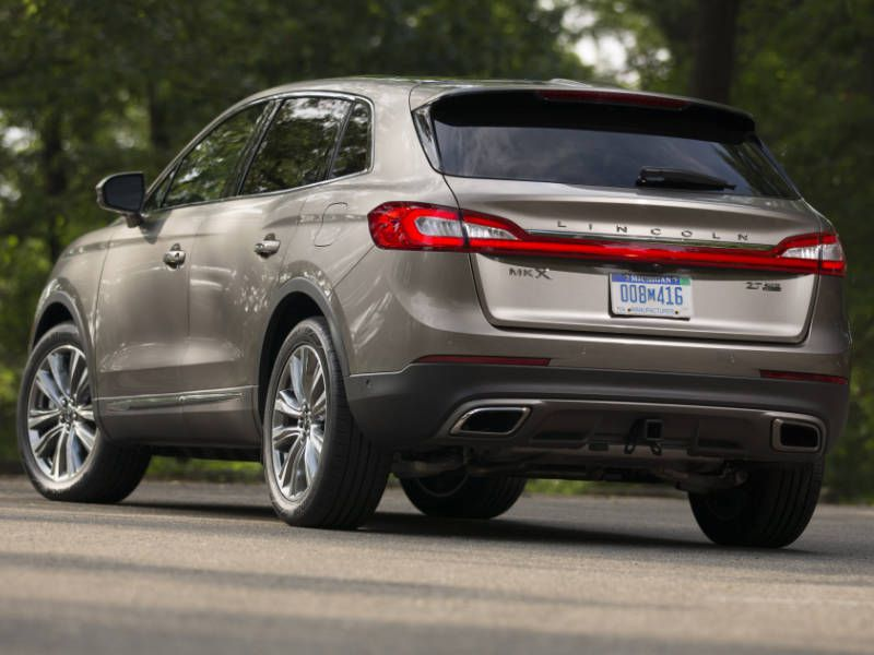 Performance And Fuel Efficiency The 2017 Lincoln Mkx
