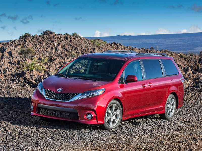 2017 Toyota Sienna Road Test and Review