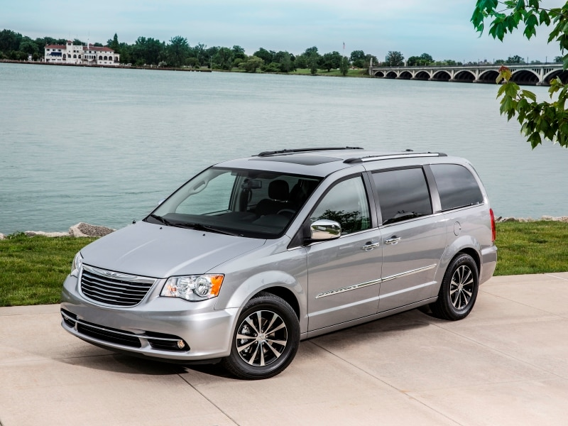 Chrysler Town Country Minivan 10 Cars With Sliding Doors Autobytel