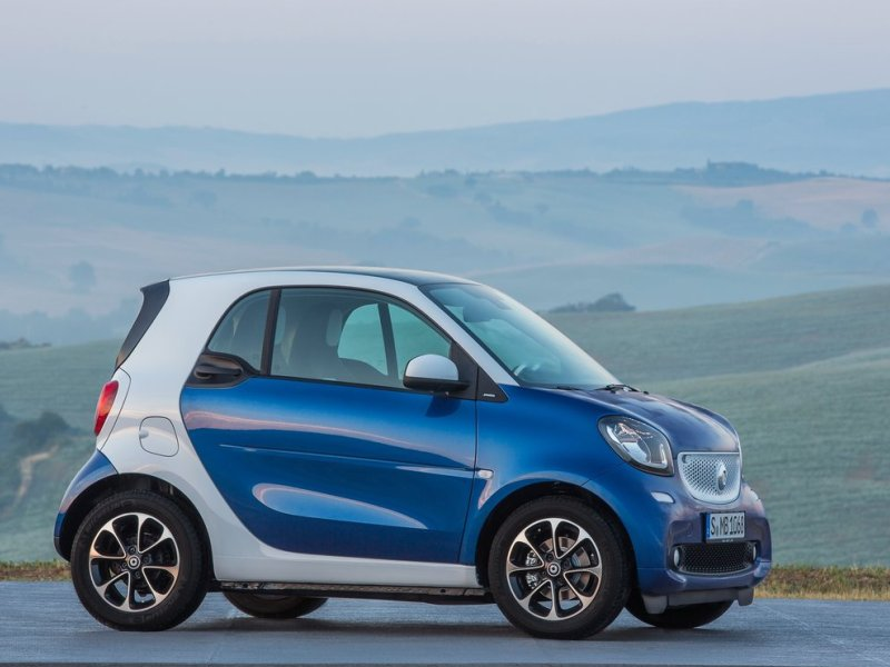 cars economical smart fortwo