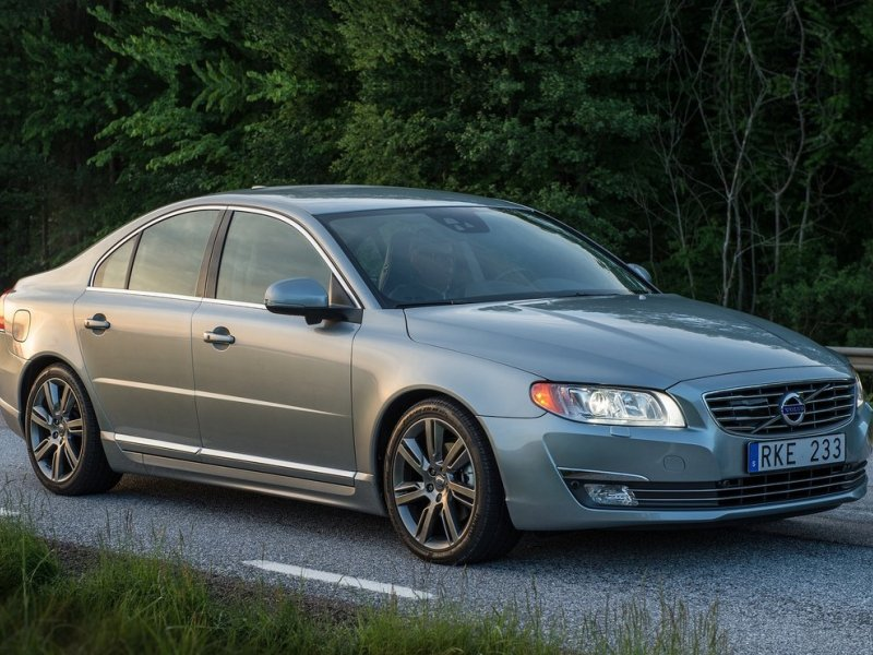 The Best Full-Size 4-Cylinder Sedans