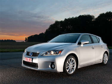 2011 Lexus CT 200h Premium: Road Test and Review