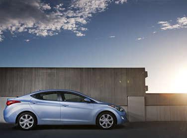 5 Most Fuel Efficient Non Hybrid Mid Size Sedans In 2017