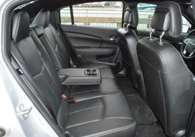 2011 Chrysler 200 Sedan Road Test And Review Autobytel Com