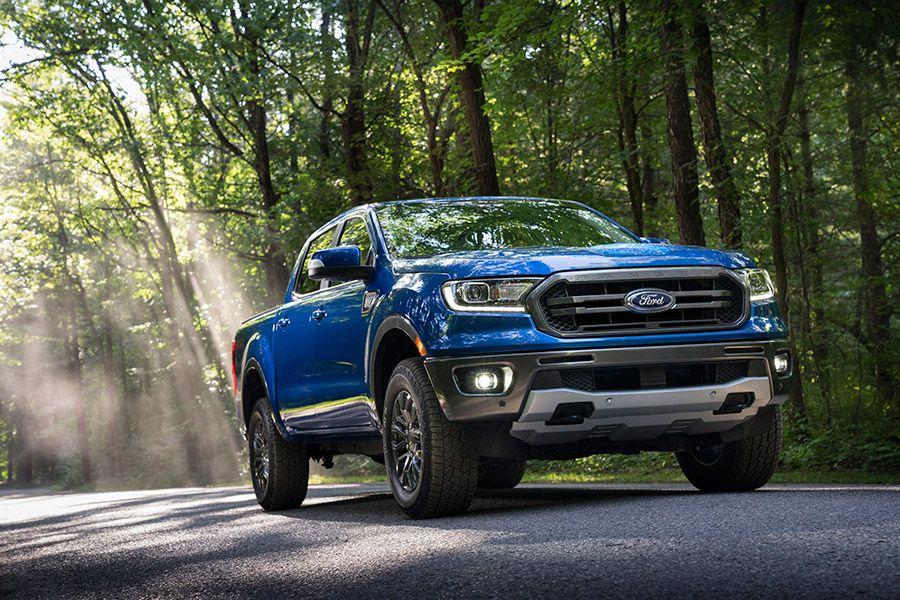 2020 Ford Ranger front three quarter 900x600