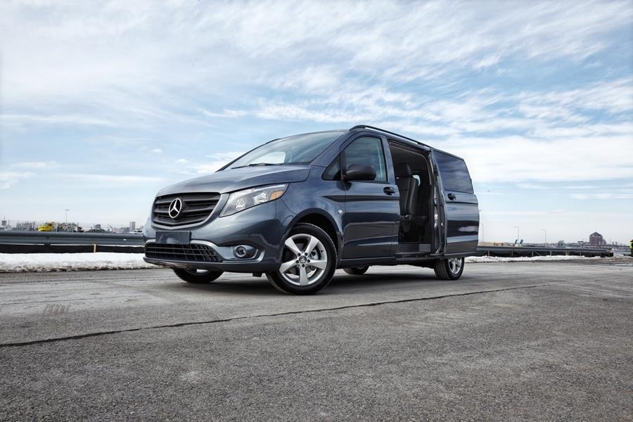 577906bf9d Best Vans with Remote Doors