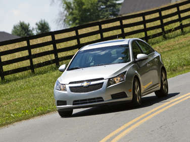 2012 Chevrolet Cruze 2LT RS Road Test and Review