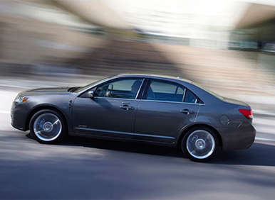 5 High-Tech 2011 Hybrid Cars Worth Considering