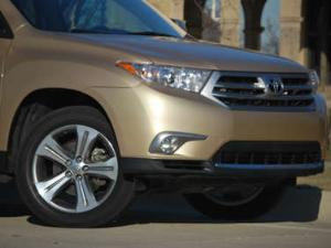 2012 Toyota Highlander Limited 4x4 Road Test and Review
