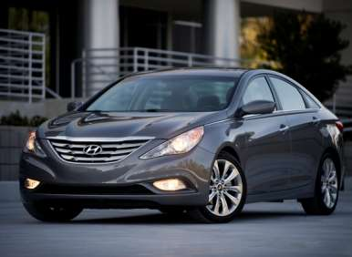 2012 Hyundai Sonata Offers High Mileage in Midsize Sedan Segment