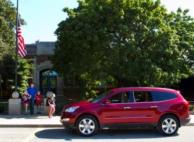 2012 Chevrolet Traverse 2LT Road Test and Review
