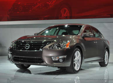 2012 New York Auto Show Debut: 2013 Nissan Altima