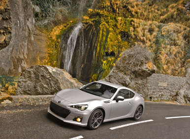 2013 Subaru BRZ Brings Fuel Efficiency to Sport Coupe Class