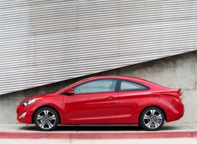 First Look: 2013 Hyundai Elantra Coupe