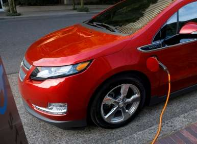 2013 Chevy Volt Extends Its EV Advantage—and Its All-electric Driving Range