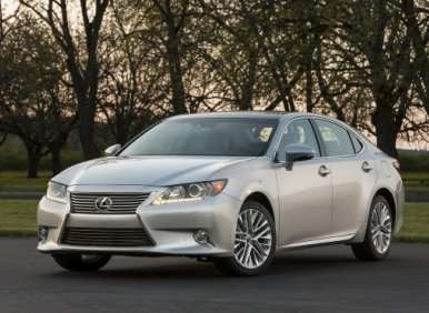 2013 Lexus ES 350/ES 300h: Renewed and Reviewed
