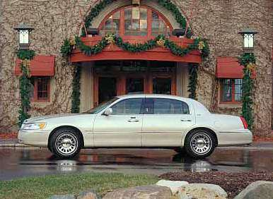 Lincoln Town Car Used Er S Guide 2001