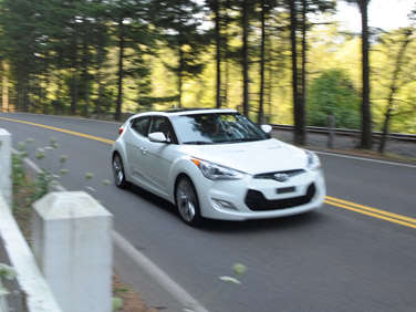 2013 Hyundai Veloster to be Re-tired