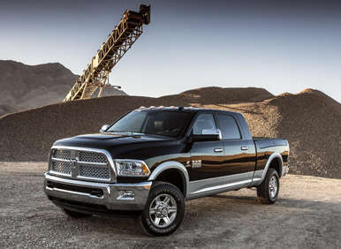 2013 ram heavy duty pickups reclaim top towing title. Black Bedroom Furniture Sets. Home Design Ideas
