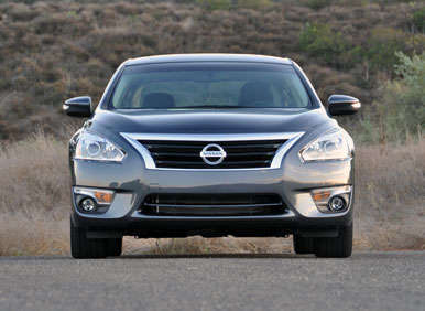 2013 Nissan Altima Sedan Road Test and Review