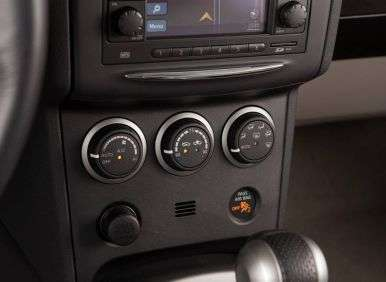 2013 Nissan Rogue S AWD Review: Features And Controls