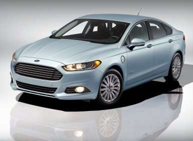 2013 Ford Fusion Energi Named Connected Car of the Year at CES