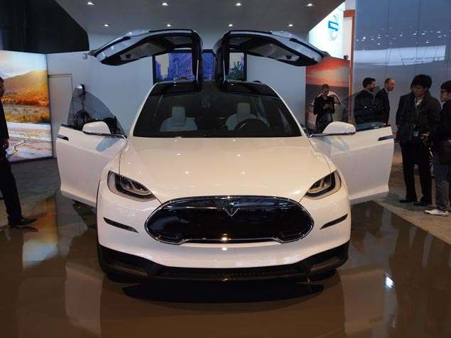 Tesla Model X at the 2013 Detroit Auto Show: Photo Album