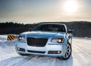 2013 Chrysler 300 Glacier Edition Ready to Put Rivals on Ice
