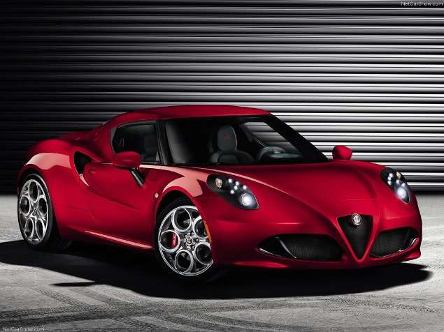 Geneva Motor Show: U.S.-bound 2014 Alfa Romeo 4C Makes Its Debut