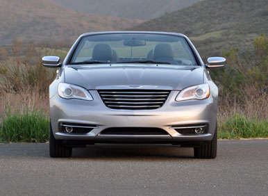 2013 Chrysler 200 Convertible Road Test and Review