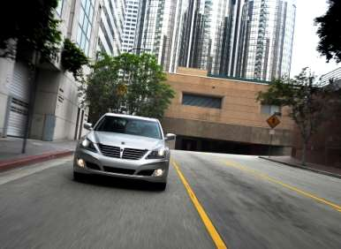 2013 Hyundai Equus Road Test and Review