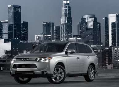 All-new 2014 Mitsubishi Outlander Raises Fuel-efficiency by +10 Percent