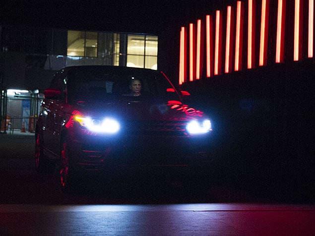 New York Auto Show Land Rover Sport Arrives With Red Carpet - Car show carpet