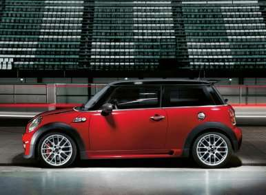 MINI Coming to Indy with Performance Driving School