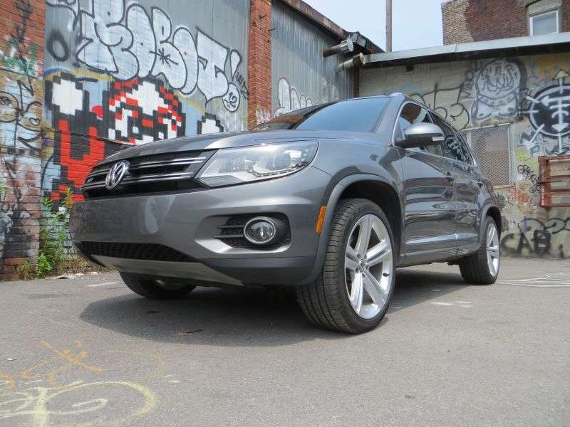 2013 Volkswagen Tiguan SEL Crossover Road Test and Review -