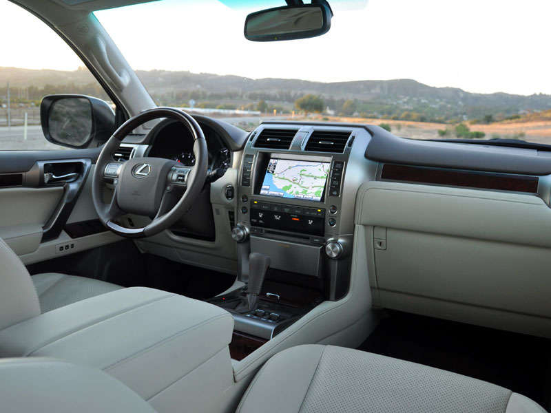 2013 Lexus GX 460 Luxury SUV Road Test And Review: Features And Controls