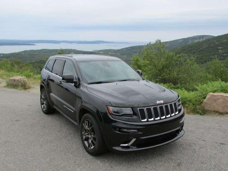 2014 jeep grand cherokee srt suv road test and review. Black Bedroom Furniture Sets. Home Design Ideas