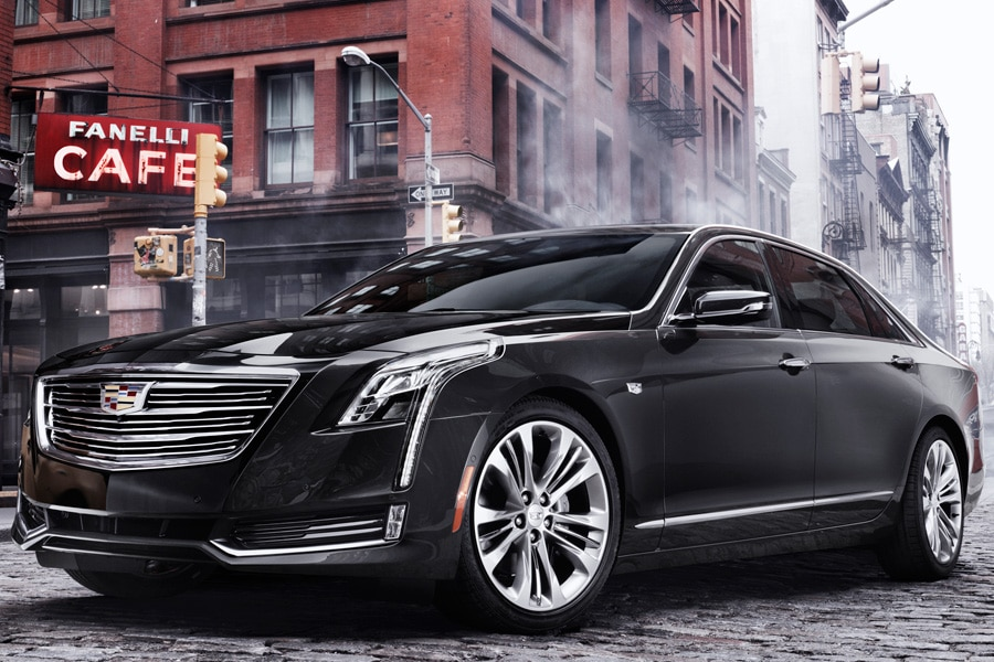 2016-Cadillac-CT6-on-the-streets-of-NYC