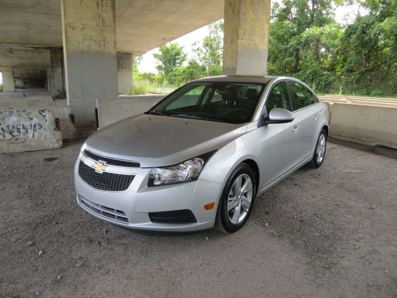 2014 Chevrolet Cruze Diesel Road Test and Review