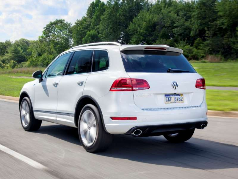 The 2017 Volkswagen Touareg Is A Mid Size Suv
